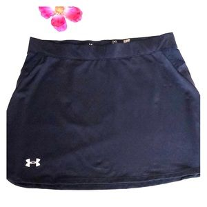 Under armour skirt. Size Small.